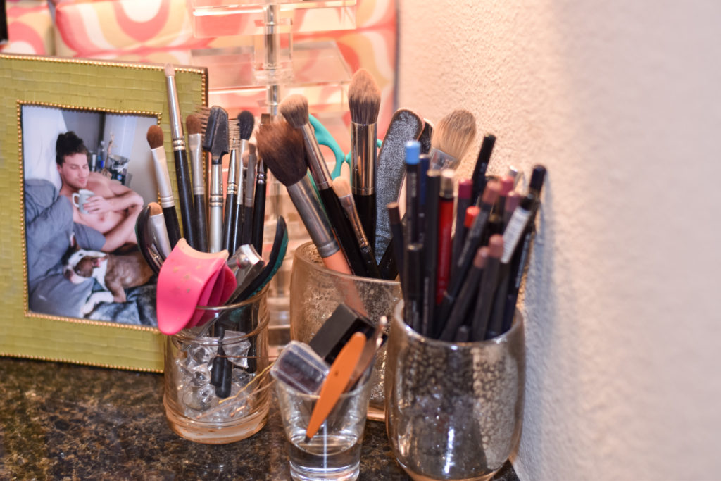 meghan jones, the meghan jones, dallas blogger, dallas blog, decor, dallas decor, home blogger, decor blogger, design, design blogger, loft, apartment, apartment decor, loft decor, shabby chic decor, meghan jones dallas blogger, home decor, dallas home decor, southern decor, best blogger, best dallas blogger, home, dallas home, dallas apartment